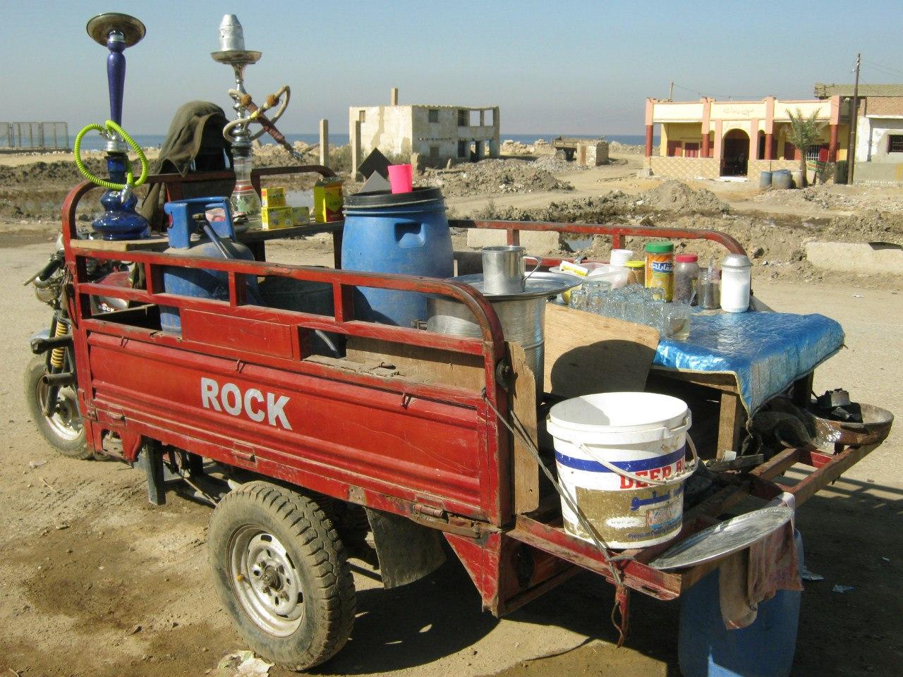 Кафетерий на колёсах на улицах и дорогах Египта