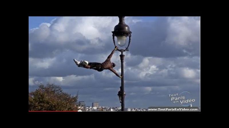 Iya Traoré, Football Freestyle à Montmartre (Full HD)
