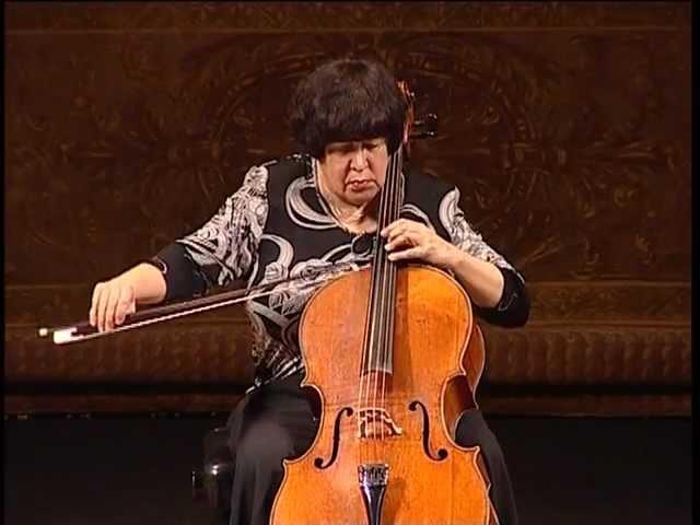 Исполняет Наталья Гутман. И.С. Бах - Сюита для виолончели соло №1 соль мажор BWV 1007