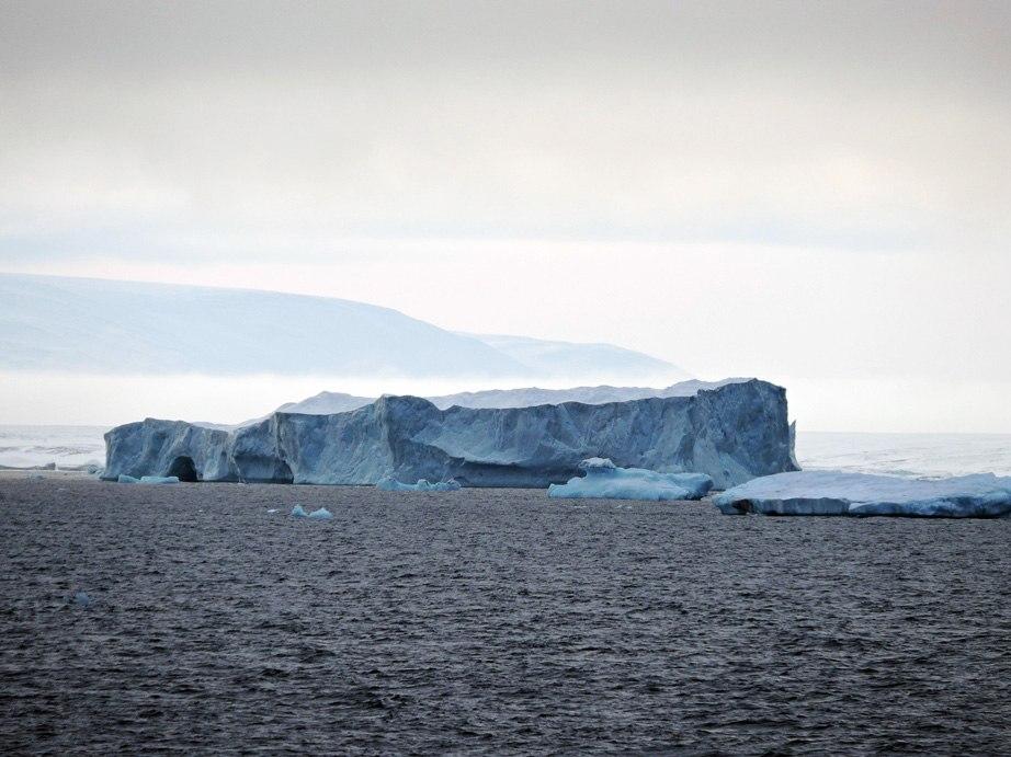 Айсберг. Северная земля.
