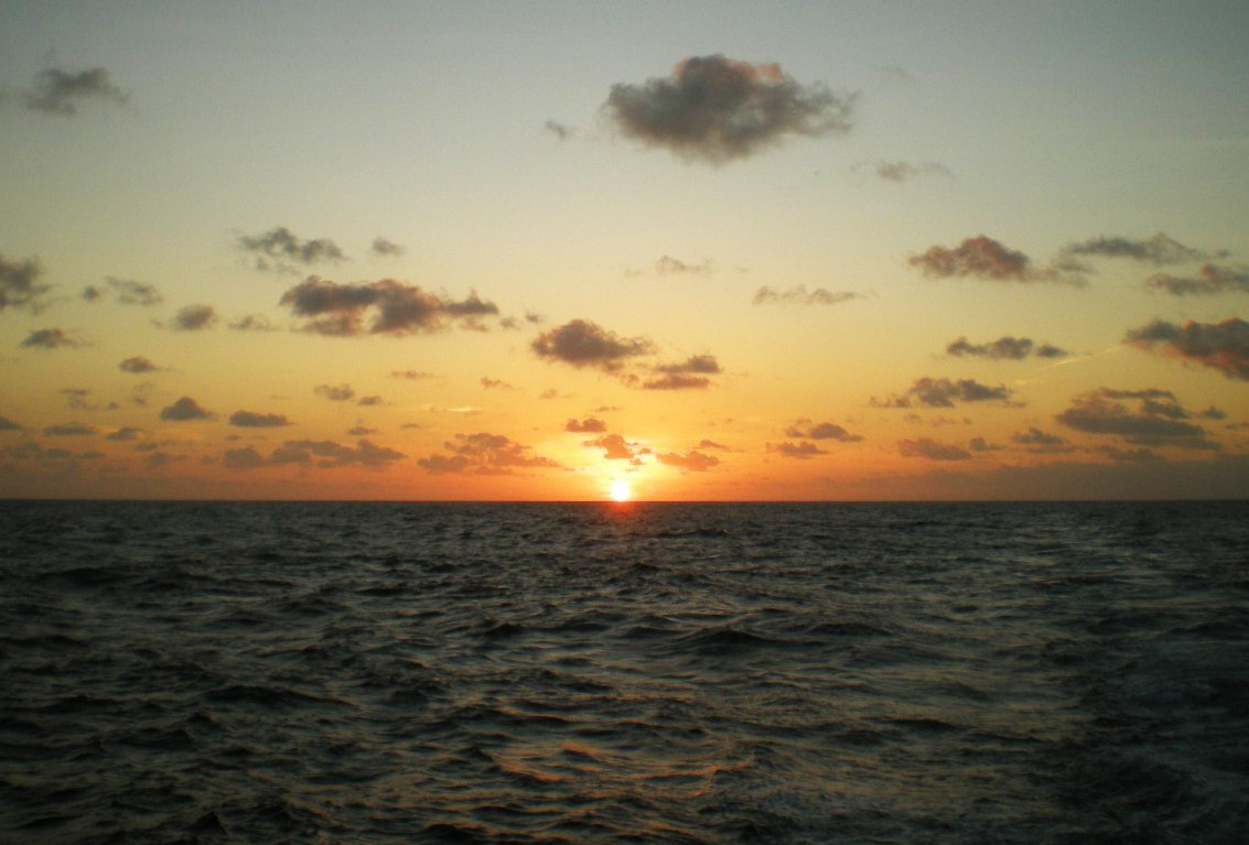 Тихий океан. Закат на экваторе