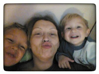 Мама Ира со своими мальчиками: