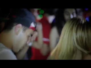 Gunay Ibrahimli - Delisiyem Gecenin Official Clip - YouTube360p