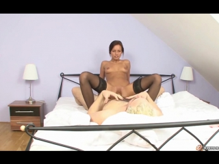 Наташа любит когда ее ебут раком в попу  офигенное порно