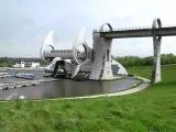Интересное в мире. Необычный мост в Шотландии для борьбы с перепадами высот))