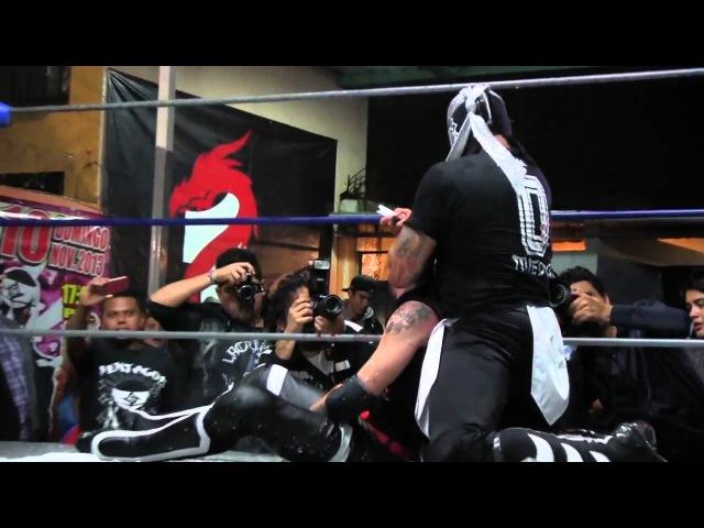 Xtrem Mexican Wrestling. Campeonato Perros del Mal. Arez vs Pentagon Jr.