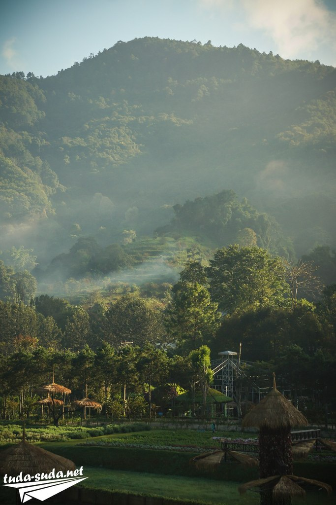 Долина у горы Дой Анг Кханг