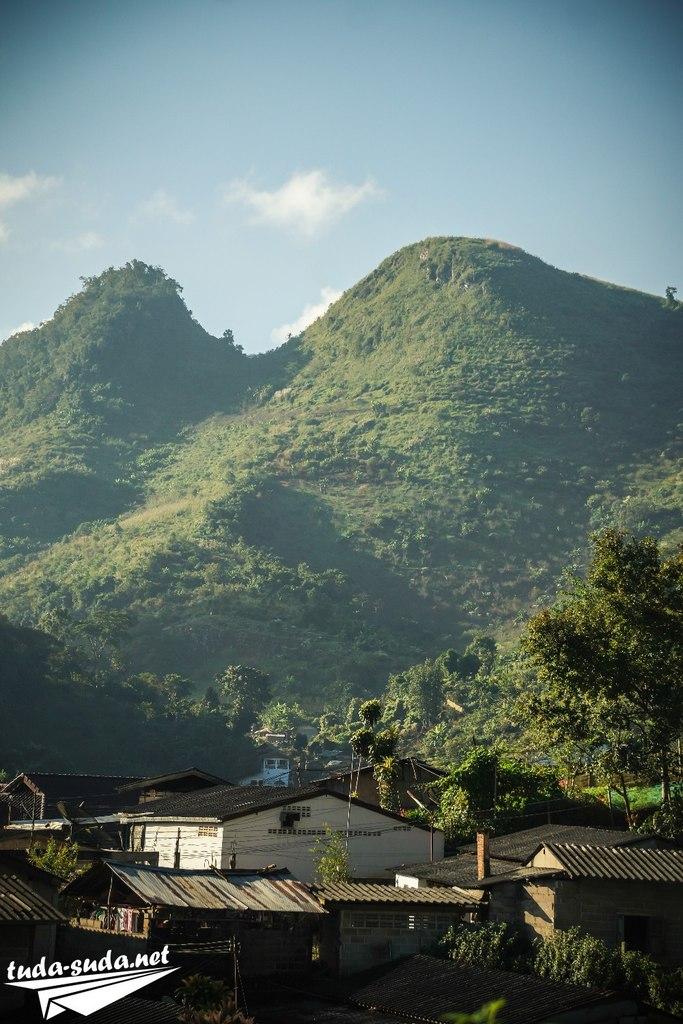 Деревня в долине Анг Кханг