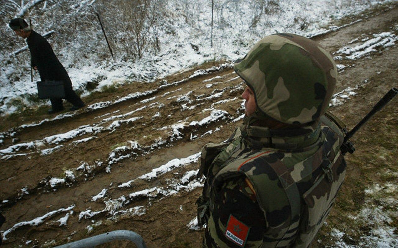Photos de nos soldats et des Bases Marocaines - Page 2 PoRKLaspyAc