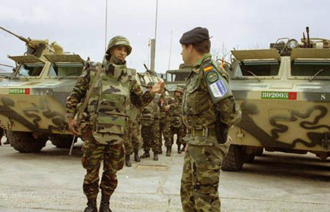 Photos de nos soldats et des Bases Marocaines - Page 2 P8PUX9Yvym0