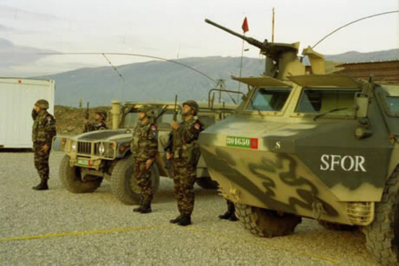 Photos de nos soldats et des Bases Marocaines - Page 2 ObSvMX7-CT4