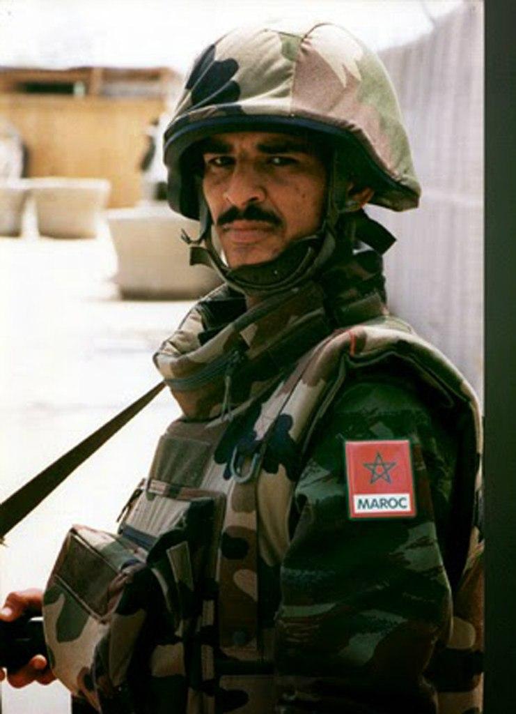 Photos de nos soldats et des Bases Marocaines - Page 2 PkU7360_f1I