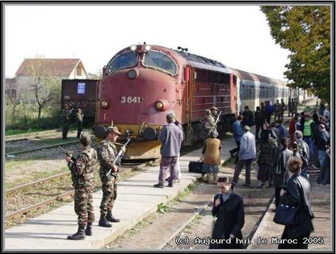 Photos de nos soldats et des Bases Marocaines - Page 2 MXjTER7paC4