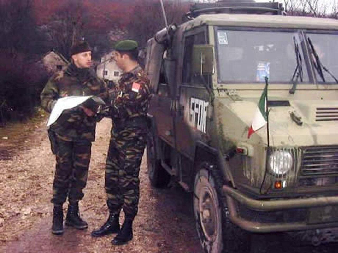 Photos de nos soldats et des Bases Marocaines - Page 2 X4OhrUOCZOM