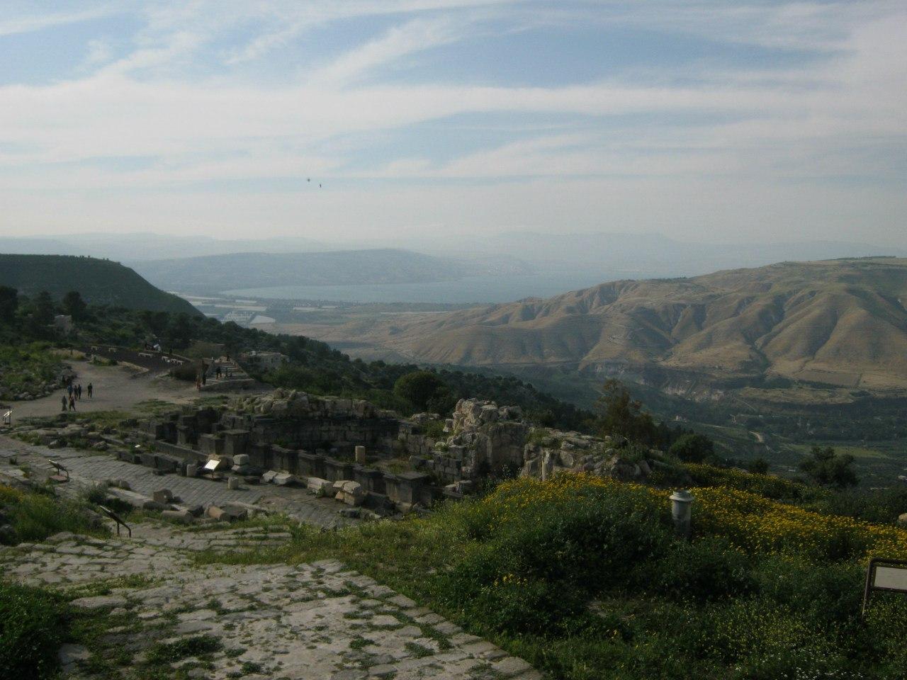 Вид на Голанские высоты со стороны Иордании