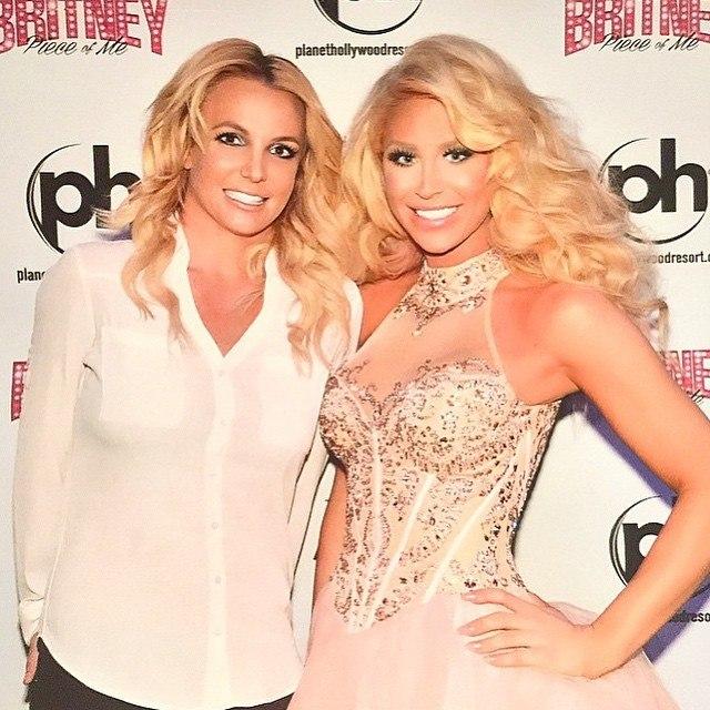 """6 марта - Бритни дала свой 81-й концерт в рамках шоу """"Britney: Piece of Me"""" в Лас-Вегасе"""