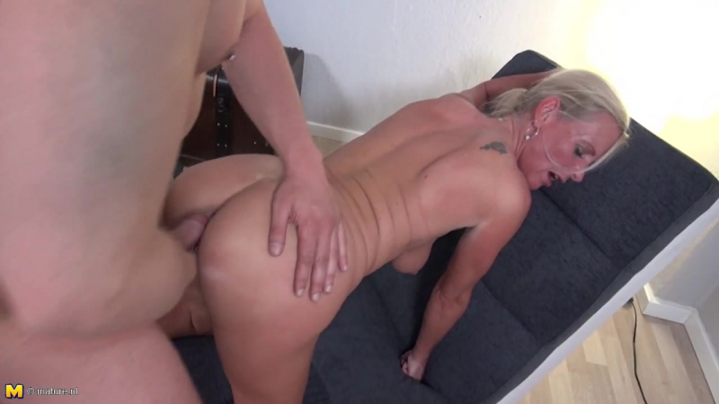 Sugar German  Mommas / Сахарные Мамочки [All Sex, MILF] Поеблась с сыном [Milf,Mature,Зрелые,Молодые,Анал,Инцест,Порно,Секс,BBW