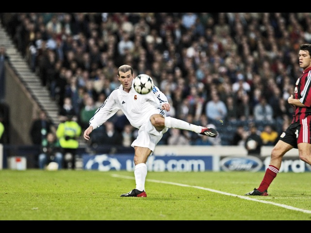 Zidane's famous goal against Bayer Leverkusen in the UCL Final 2002