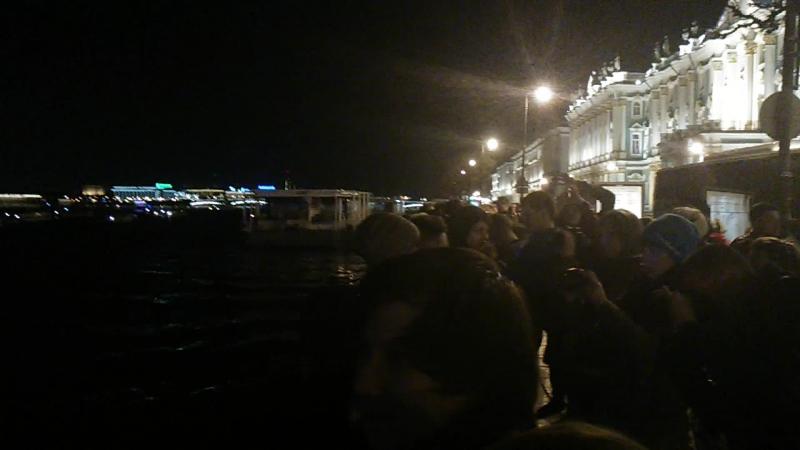 Питер.05.05.15.дворцовая набережная в 01-30 развод мостов.