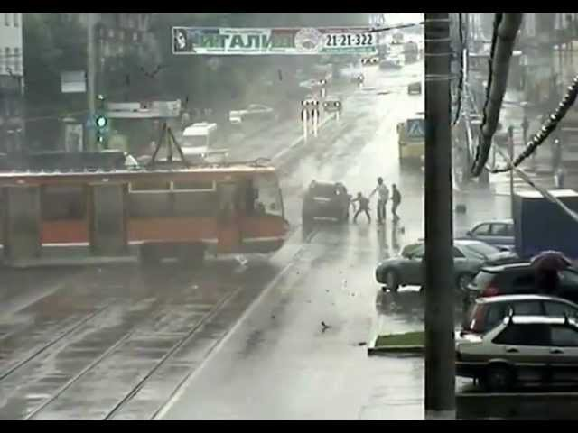 Взбесившийся трамвай в Перми