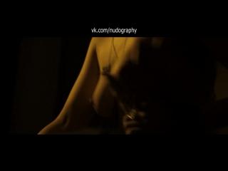 Джемма Артертон (Gemma Arterton) голая в фильме Трое – на вылет (Three and Out, 2008, Джонатан Гершфилд)