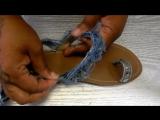 Декорируем  летние шлёпки  полосками из старых джинс и заклёпками  Denim Gladiator Sandals- DIY Quickie https://vk.com/videos-79