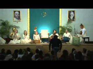 Mooji Sangha Bhajans - 14th March 2015 - Rishikesh India