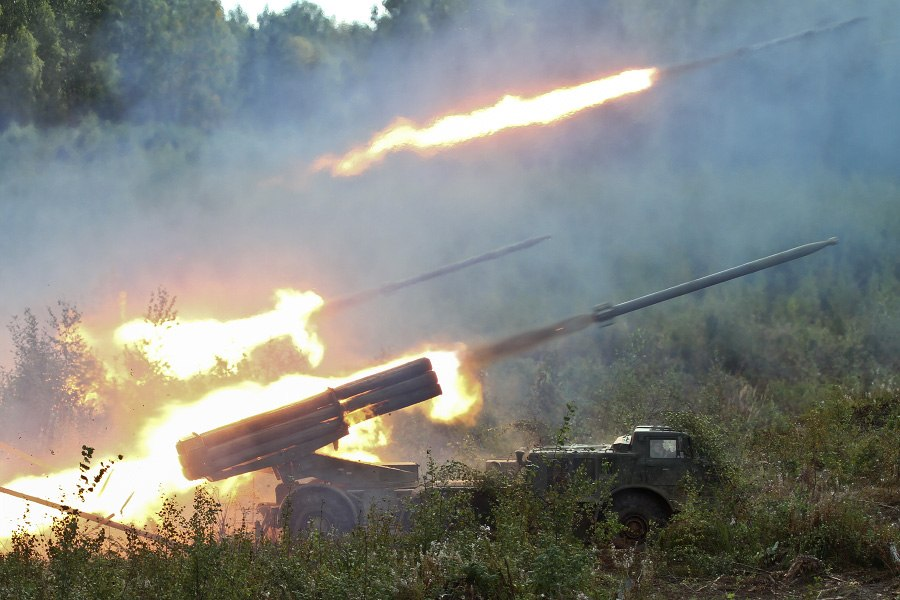 В 74 км от Таганрога в Матвеево-Курганском районе найден неразорвавшийся реактивный снаряд установки «Ураган»