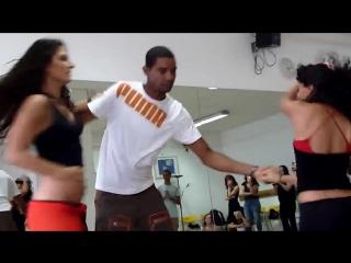 Зук втроем - это вам не танго втроем :) Очень красивый танец! мастер класс Zouk dance
