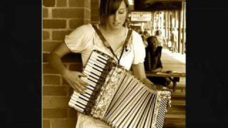 Occhi chorni (Очи Чёрные) on accordion (Russian Gypsy music)