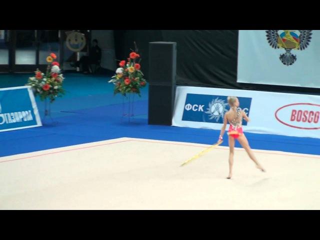 Яна Кудрявцева - обруч (командное многобьрье) Гран-при Москва 2011