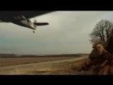 Русская баба в горящую избу войдёт и немецкий самолёт на лету дрыном собьёт!