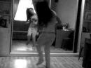 Девушка классно танцует electro-house