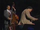 Ray Brown Trio - dans 'Summertime'-.flv