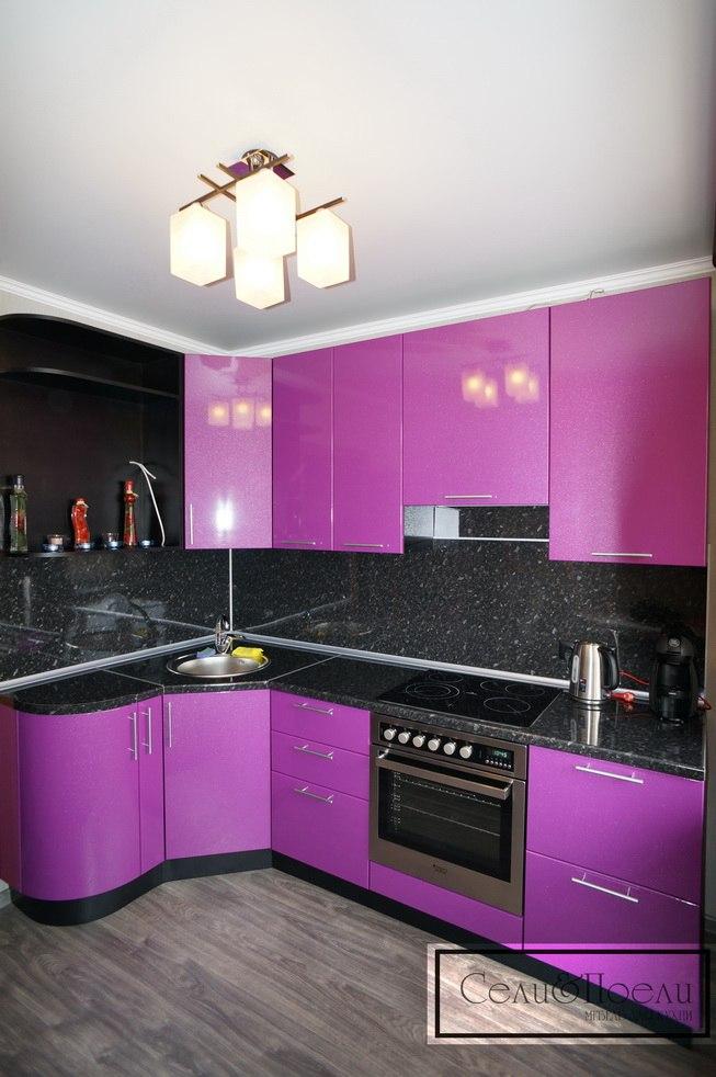 Пример угловой кухни от Сели Поели