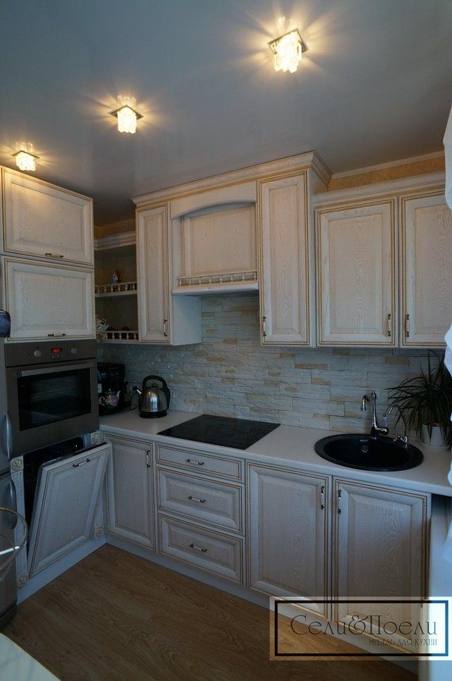 Пример классического кухонного гарнитура от Сели Поели