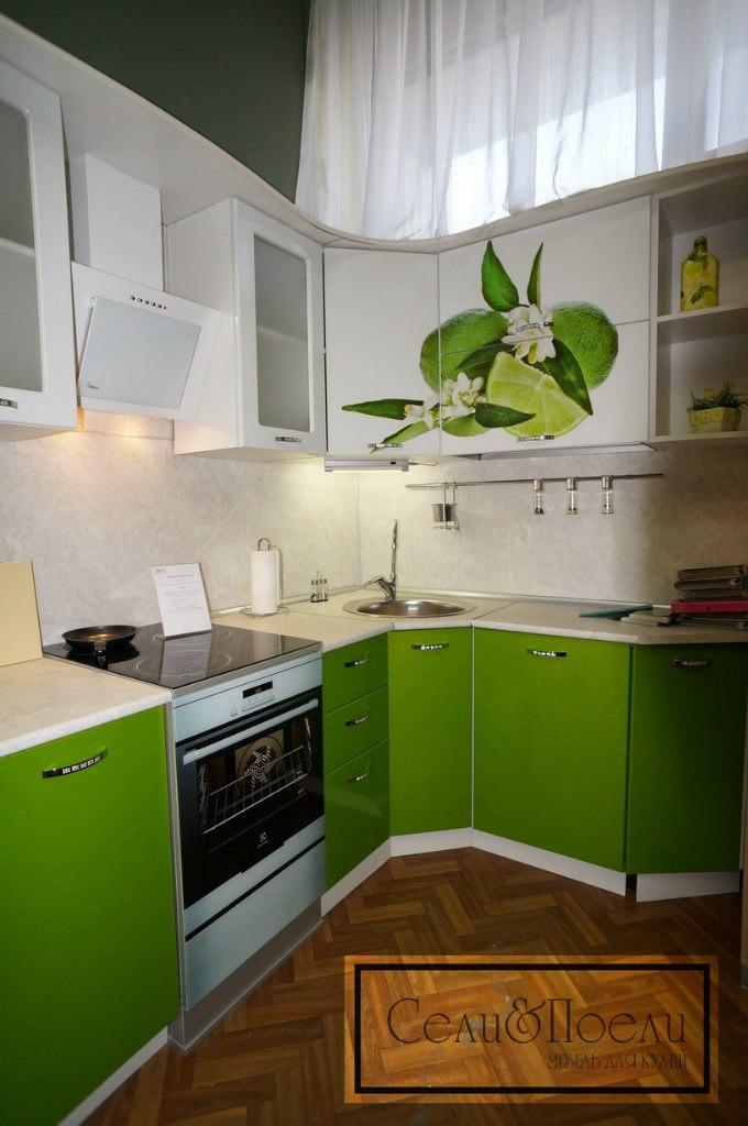 Пример современной кухни от Сели Поели