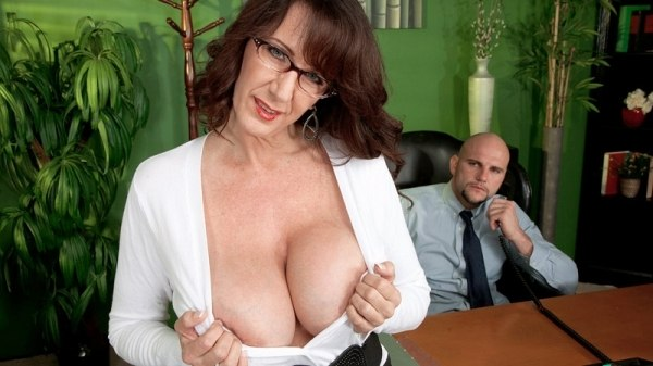 PornMegaLoad – Cassie Cougar – Fucking The Big-Titted MILF Whos Wearing Glasses