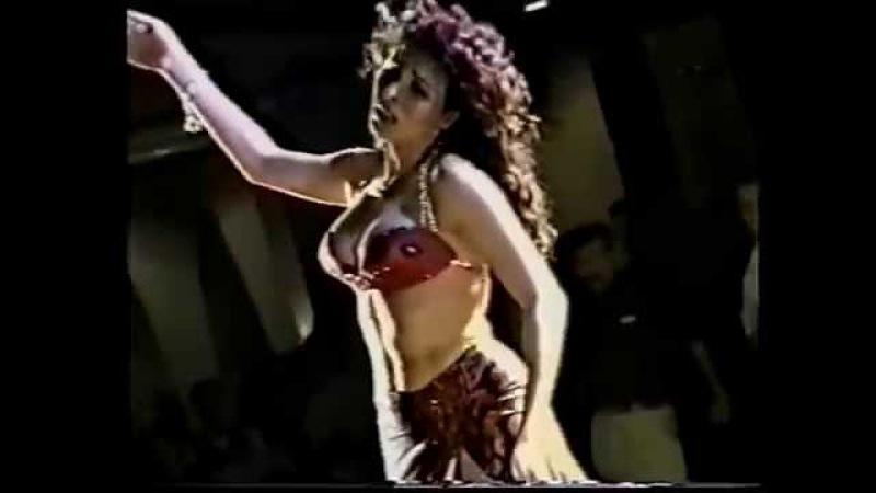 EGYPTIAN BELLYDANCER DINA 'HOB EIH' MUSIC FROM OUM KALSOUM