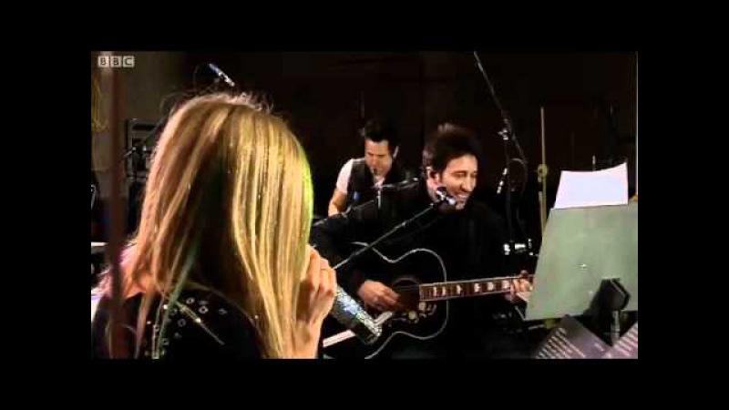 Avril Lavigne - Tik Tok (Ke$ha cover) in Radio 1 s Live Lounge - BBC