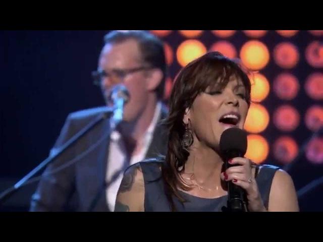Teb.Beth Hart and Joe Bonamassa - Close To My Fire