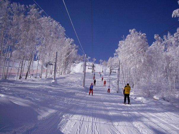 10 самых лучших горнолыжных курортов России