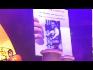 Robbie Williams and his naked picture of Rock Dj (Manchester 2/Jul)