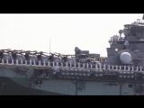 Десантный вертолётоносец Essex (LHD-2) выходит из военно-морской базы Сан-Диего