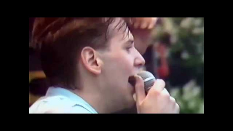 Simple Minds - Someone Somewhere (In Summertime) (1983)