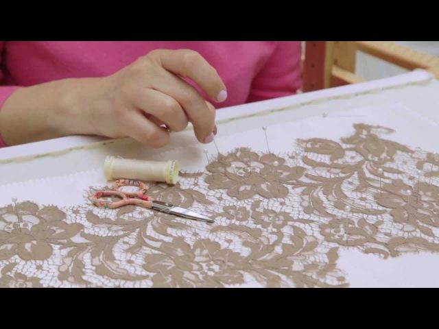 FASHION RULES TECHNIQUE: Lace appliqué