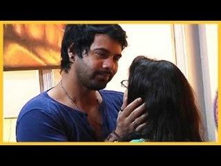 KumKum Bhagya - Abhi Tries To Kiss Pragya !