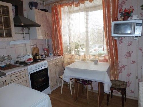Купить двухкомнатную квартиру с ремонтом в центре Кольчугино