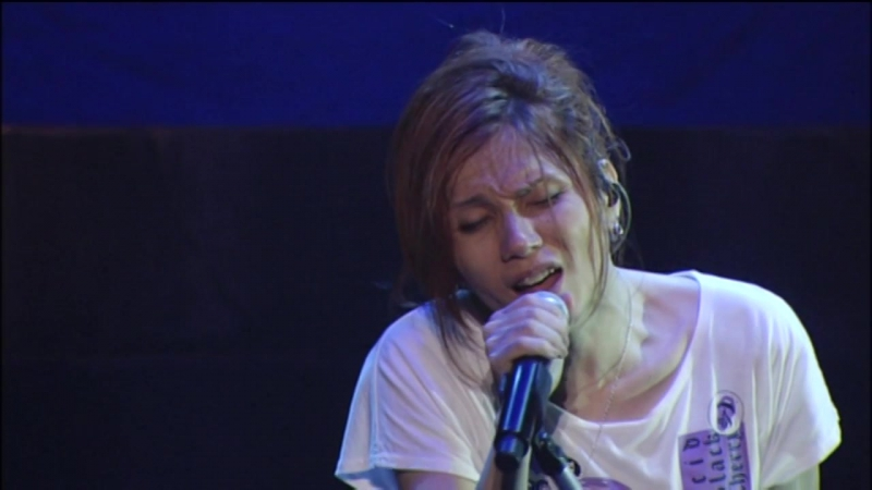 "Acid Black Cherry - 君がいるから 〜Acoustic version〜 (2010 Live ""Re:birth"" at YOKOHAMA ARENA)"