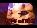 Голая мамочка играет в XBoX
